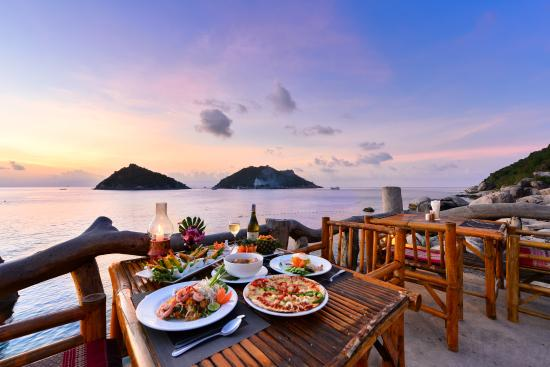 dining on koh tao island